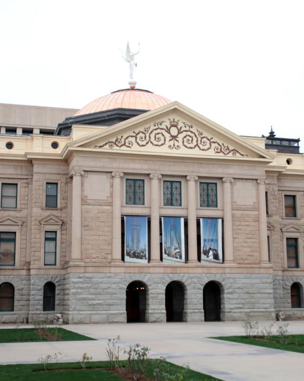 AZ Senate Votes To Seize Assets Of Violent Protestors Promo Image