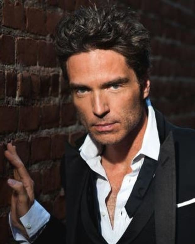 Richard Marx Helps Subdue Passenger During Flight Promo Image