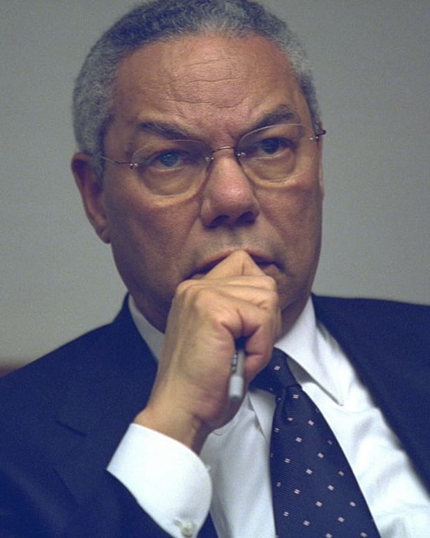 Colin Powell To Clinton: Don't Drag Me Into Email Scandal Promo Image