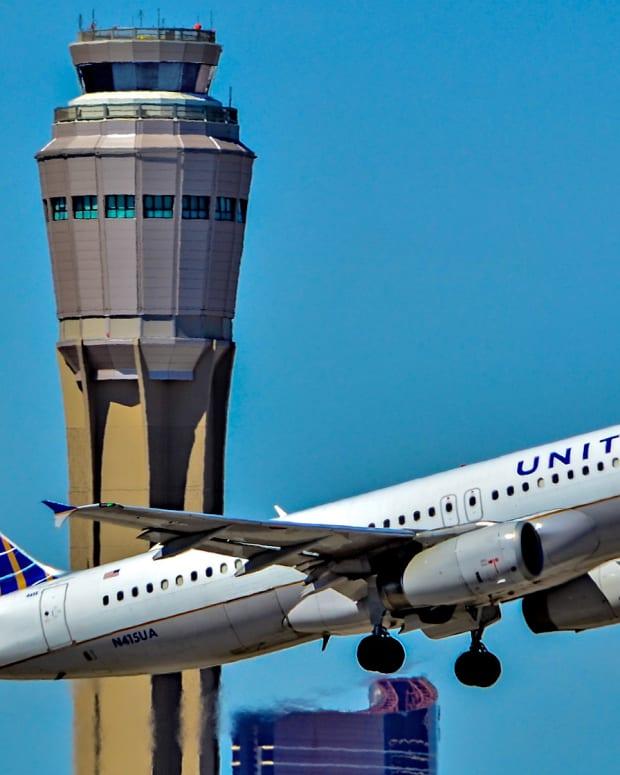 United's Market Value Drops By $1 Billion Promo Image