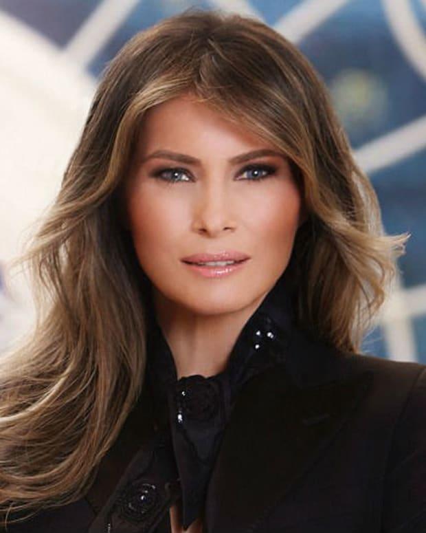 Melania Trump's Portrait Sparks Controversy (Photo) Promo Image