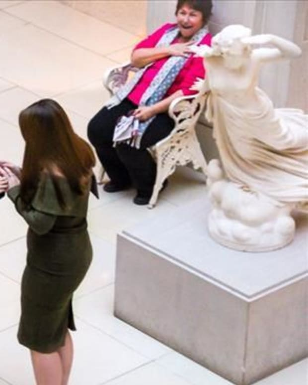Photo Of Woman's Proposal To Girlfriend Goes Viral  Promo Image