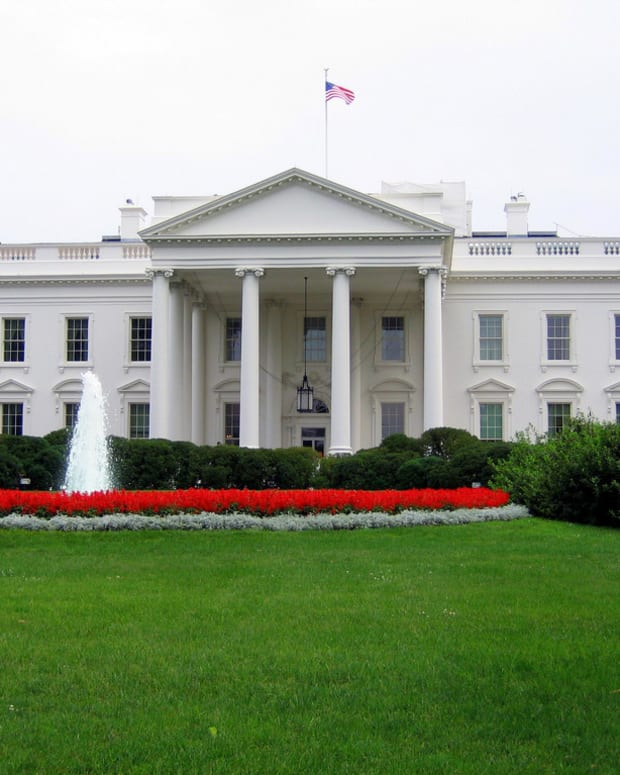 'Troubled' Man Breaches White House Grounds, Arrested (Photo) Promo Image