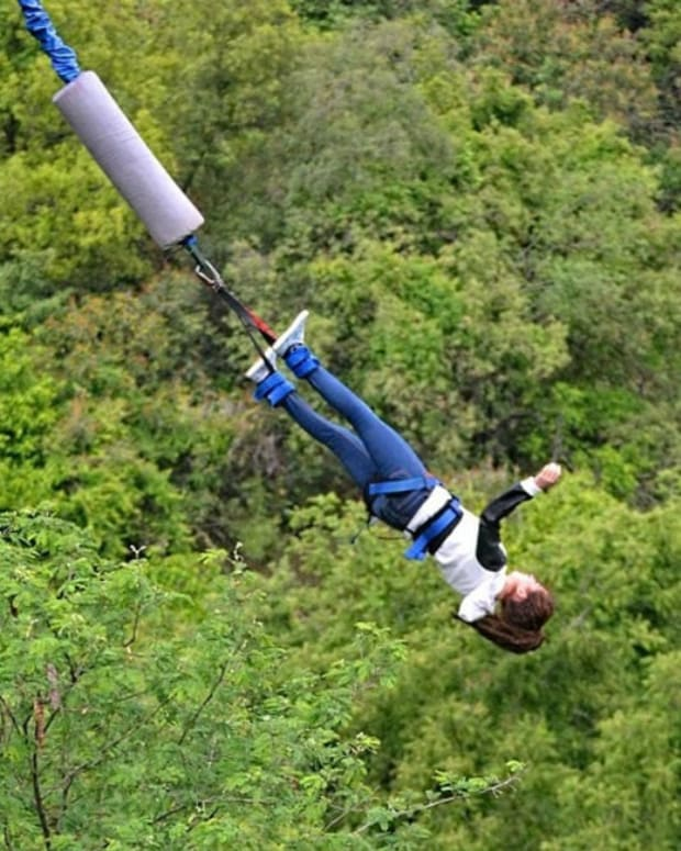 Teen Plunges To Her Death While Bungee Jumping (Photos) Promo Image