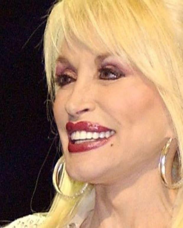 Dolly Parton Telethon Raises $9M For Wildfire Relief Promo Image