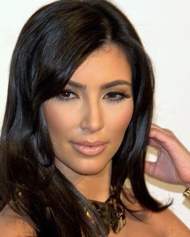 Kim Kardashian Denies Report That She Was Attacked (Video) Promo Image