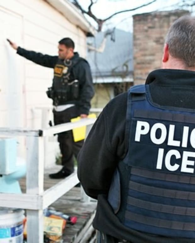 ICE Agent Convicted Of Accepting Bribes For Documents Promo Image