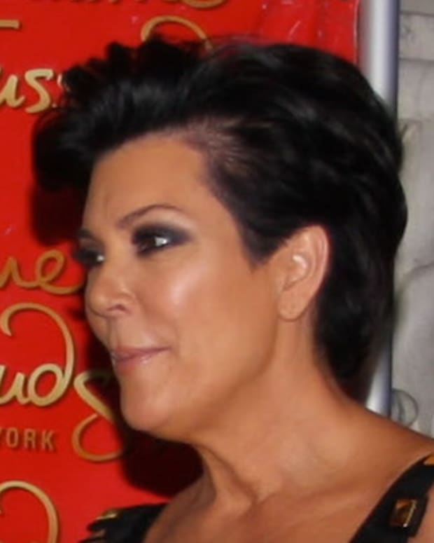 Kris Jenner Slams Caitlyn Jenner's New Book (Video) Promo Image