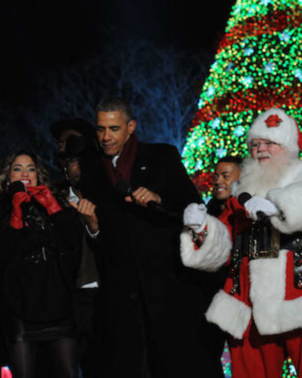 Malia Skips Pres. Obama's Final National Tree Lighting Promo Image