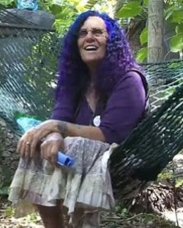 Elderly Woman Who Lived In Tree House For 25 Years Gets Bad News Promo Image