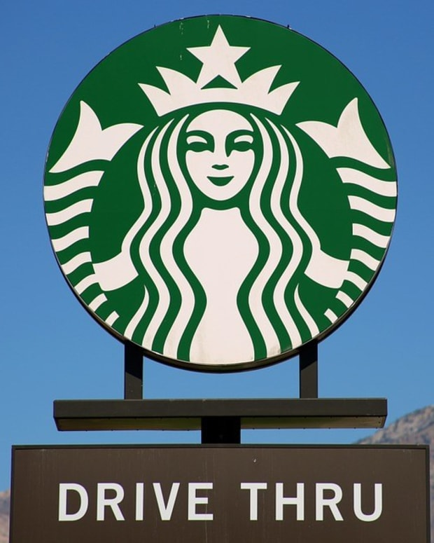Girl Allegedly Fat-Shamed By Starbucks (Photos) Promo Image