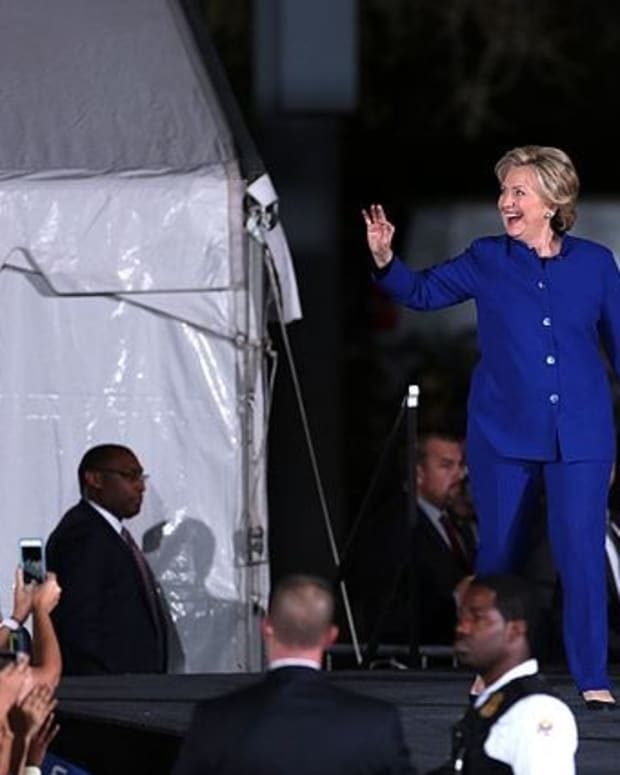 Clinton Emails With Classified Information Released Promo Image
