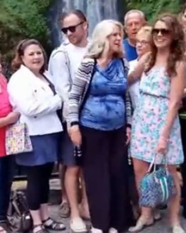 Family Receives The Best Photo-Bomb Ever (Video) Promo Image
