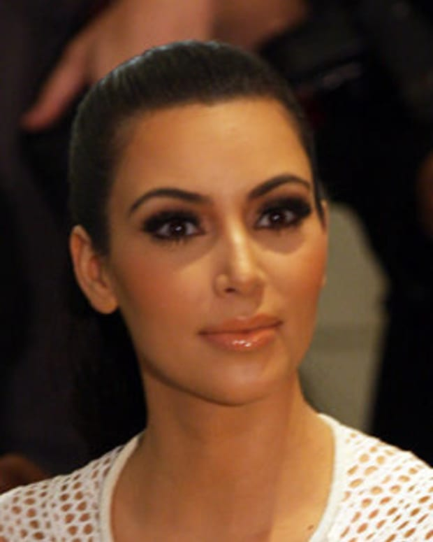 Kim Kardashian Reportedly Robbed In Paris (Video) Promo Image