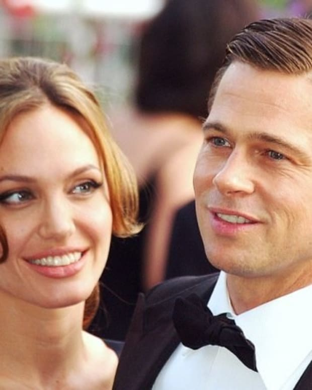 Angelina Jolie, Brad Pitt Divorcing Promo Image
