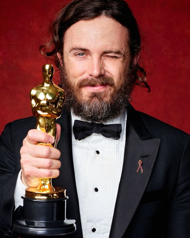 Brie Larson Has No Memory Of Giving Casey Affleck Oscar Promo Image