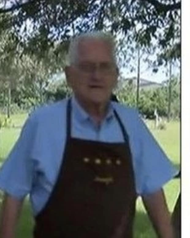 73-Year-Old Vet Gives Corn Muffin To Man Who Had 'Fallen On Hard Times' And Ends Up Paying The Price Promo Image