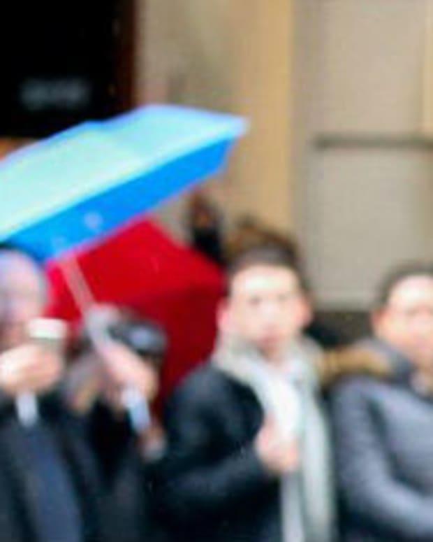 Huma Abedin Grieves As She Visits Clinton Headquarters (Photos) Promo Image