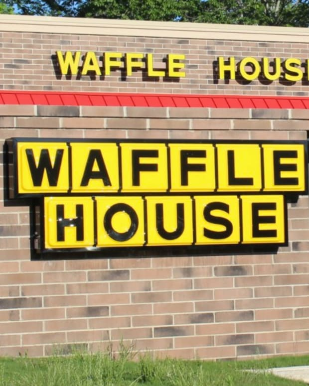 Wild Fight At Waffle House, Five Female Relatives Arrested (Video) Promo Image