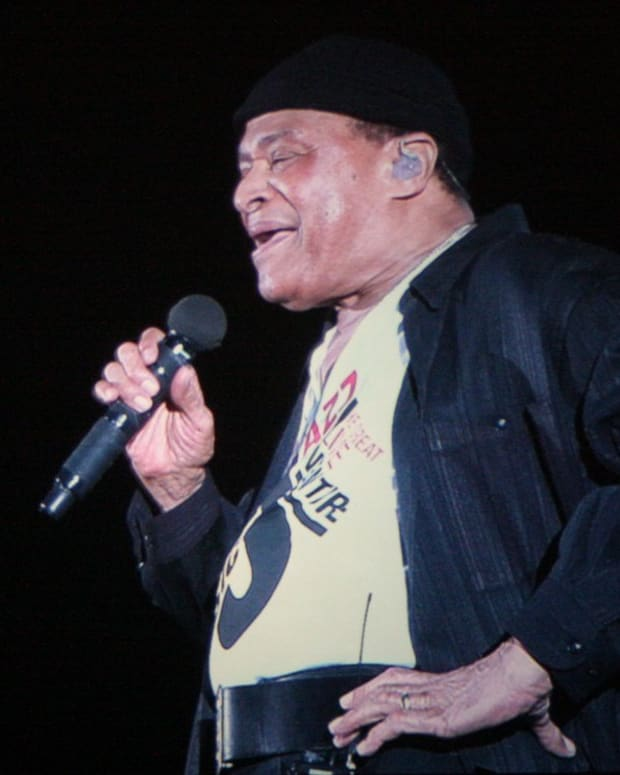 Grammy-Award-Winning Jazz Singer Al Jarreau Dead At 76 (Photo) Promo Image