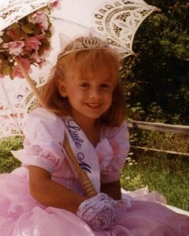 20 Years Later, Show Reveals New Suspect In JonBenet Ramsey Case Promo Image