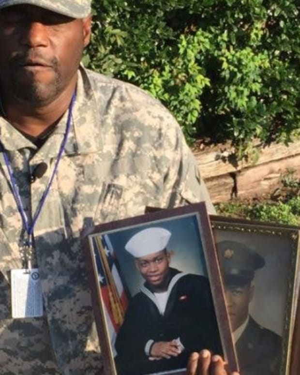 Chili's Manager Takes Vet's Complimentary Meal Away (Video) Promo Image