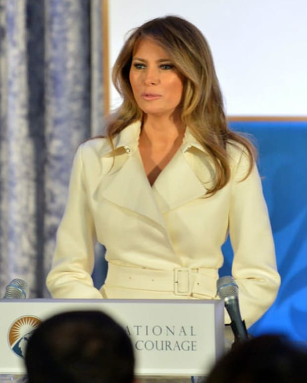 Melania Trump's Handwriting Reveals This About Her (Photos) Promo Image
