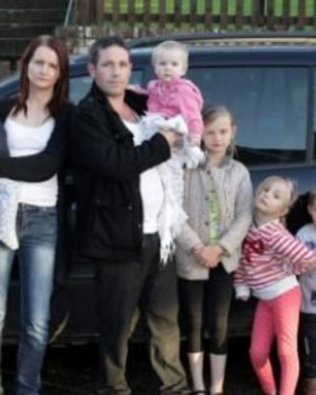 Jobless Mother Of 11 On Government Benefits Plans $14,000 Trip To Vegas For Very Special Reason Promo Image