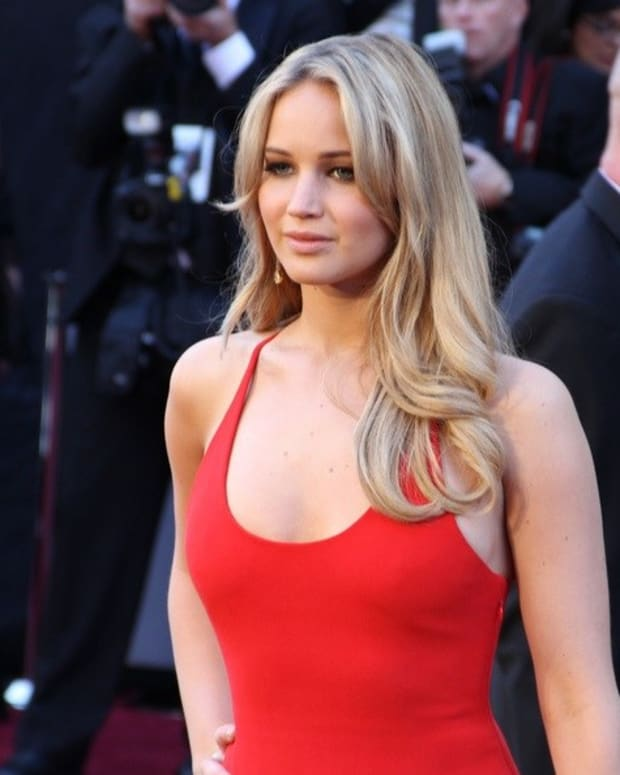 Jennifer Lawrence Heartbroken Over Clay Adler's Suicide Promo Image