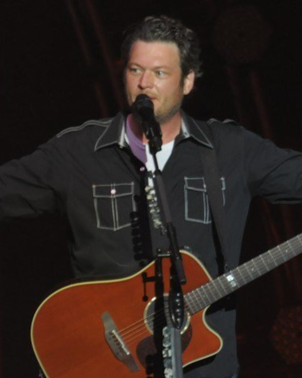 Blake Shelton Responds To Fan's 'Long Shot' Request (Photo) Promo Image
