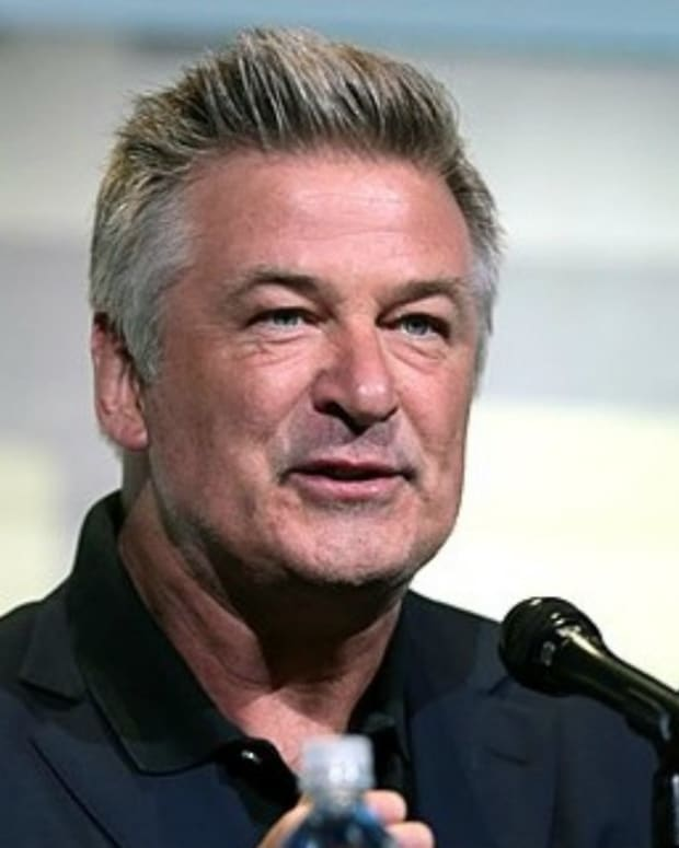 Alec Baldwin Admits To 'Bullying Women' Promo Image