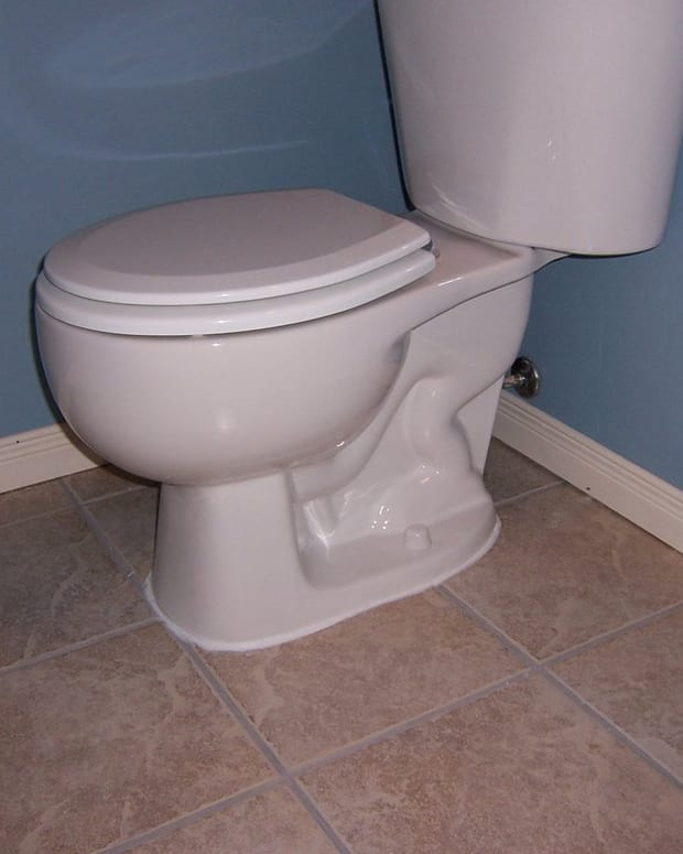 Man Leaves Evidence In Unflushed Toilet After Burglary (Photo) Promo Image