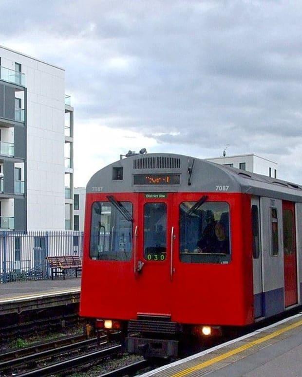 Improvised Bomb Explodes On Packed London Subway (Photos) Promo Image