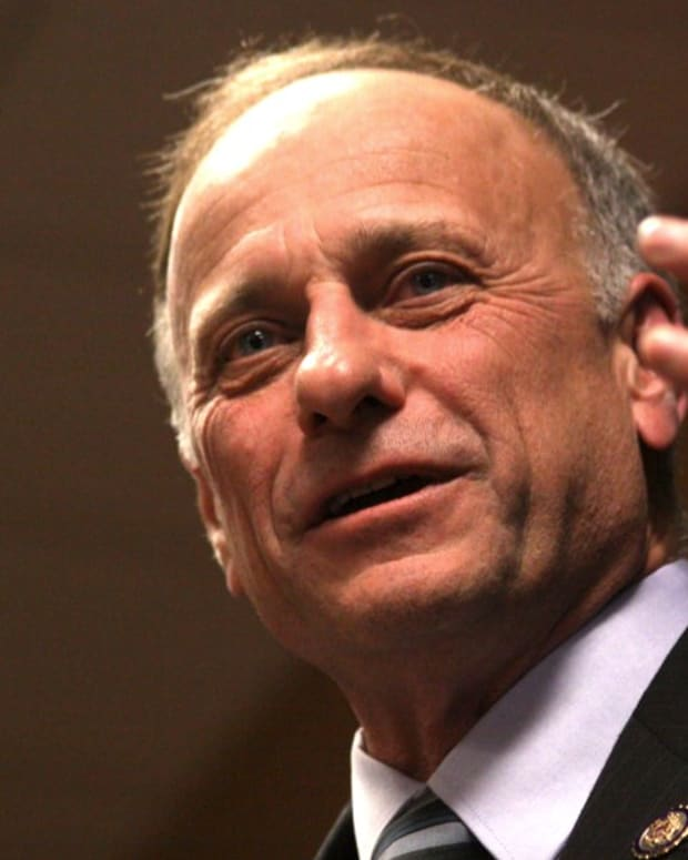 Rep. Steve King: Investigate Anthony Weiner, Not Trump (Video)  Promo Image