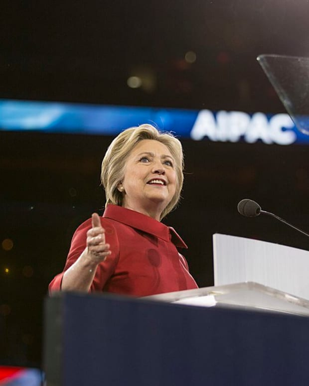 Poll: Clinton Broke Law With Email Server Promo Image