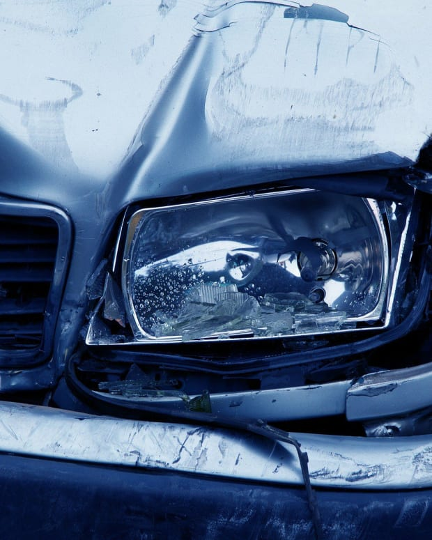 NFL Wide Receiver Terry Glenn Dies In Car Crash Promo Image