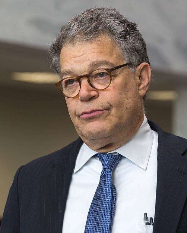 Senators Ask Franken To Resign After Seventh Accusation Promo Image