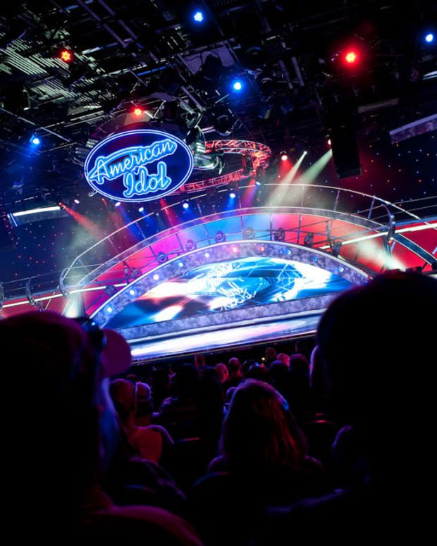 'American Idol' Star Dies With Husband In Car Crash Promo Image