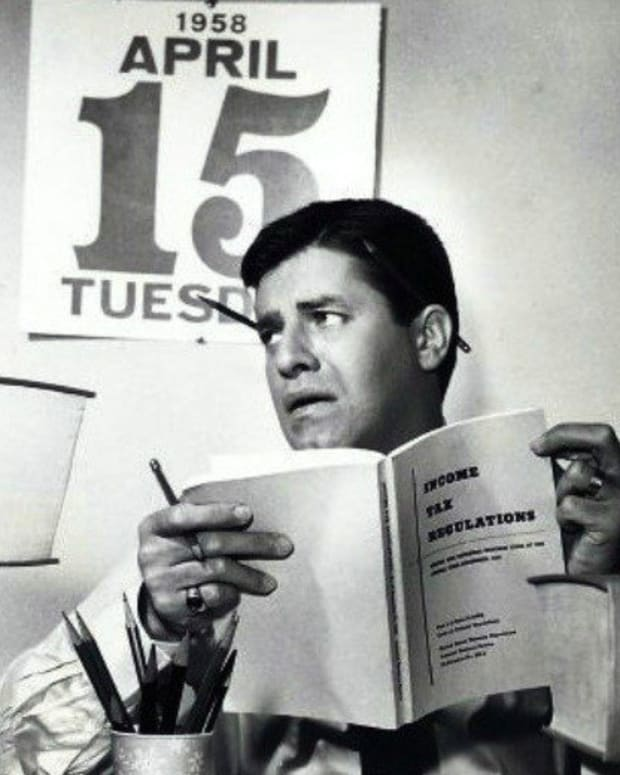 Disturbing discovery rocks Jerry Lewis' family after his death Promo Image