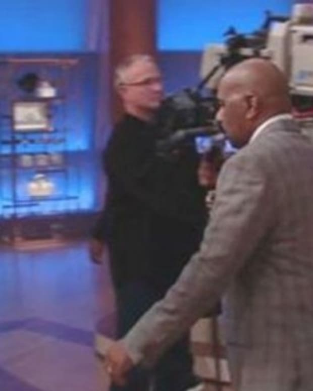 As Soon As Steve Harvey Sees What Woman Is Wearing, He Storms Off Stage (Video) Promo Image