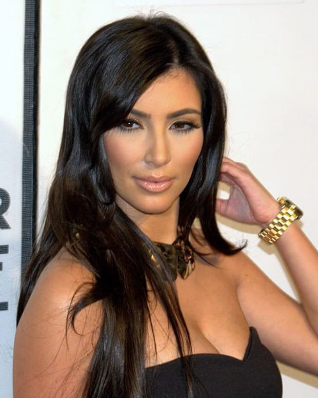 Post-Baby Kim Kardashian Selfie Sparks Controversy (Photo) Promo Image