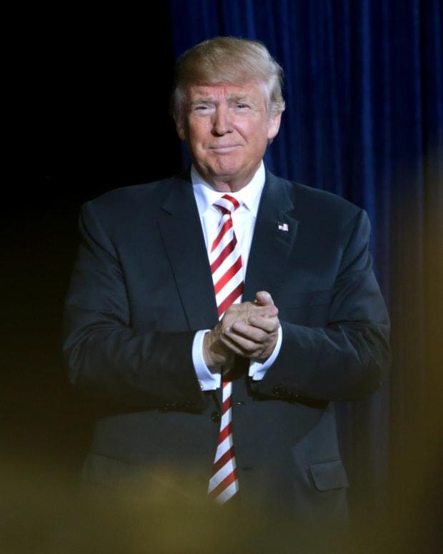Russia Investigation Opens Trump Resignation Questions Promo Image