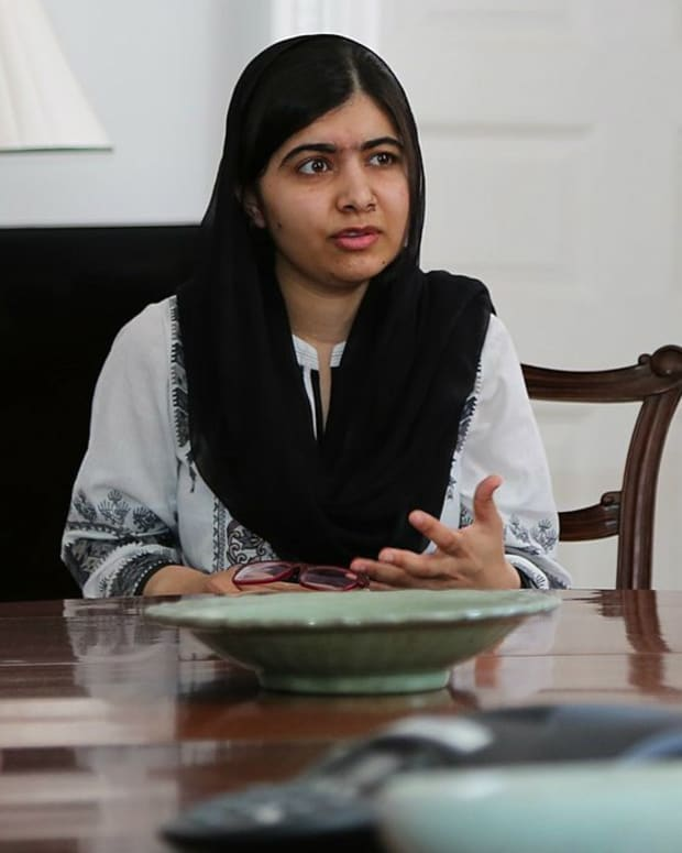Malala Yousafzai Criticized For Her College Clothes (Photos) Promo Image