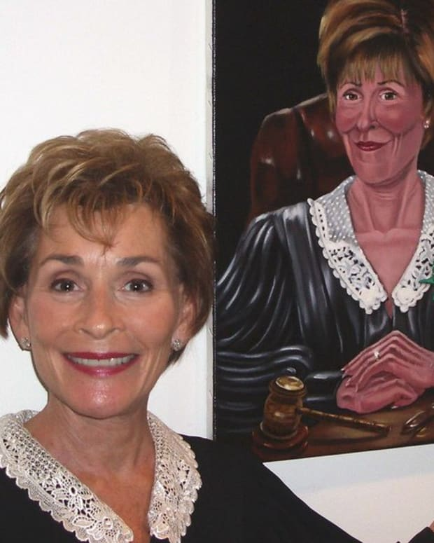 Judge Judy Lets Dog Choose Owner In Court (Video) Promo Image