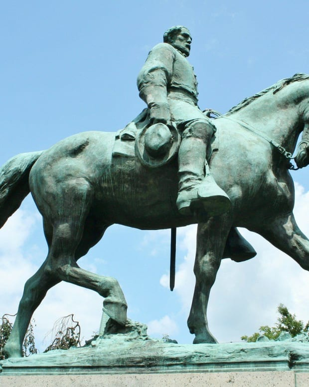 Dallas To Remove Robert E. Lee Statue Promo Image