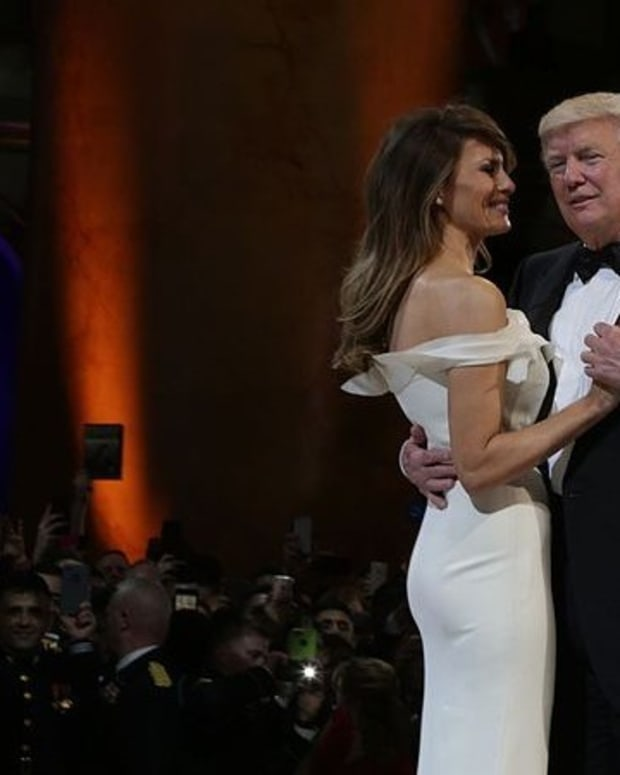 Trump Gives Melania Back Rub During Ohio Rally (Video) Promo Image