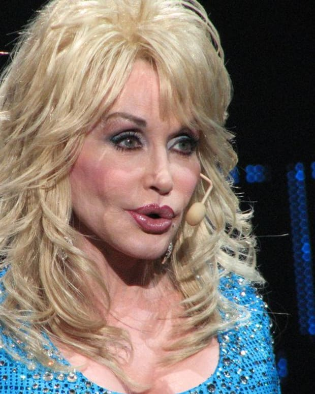 Dolly Parton Fans Upset Over Trump-Bashing At Emmys (Photo) Promo Image