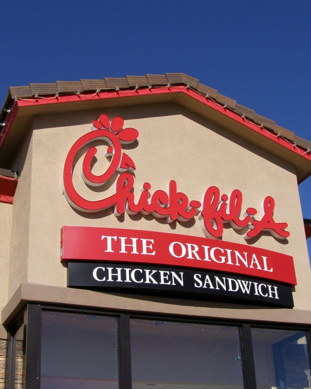 Lawsuit: Dead Rodent Found Inside Chick-Fil-A Meal (Photos) Promo Image