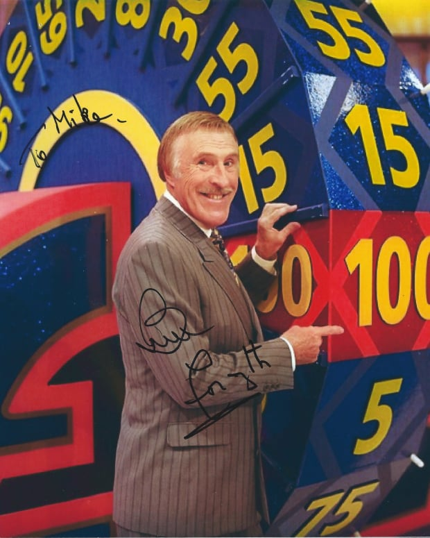 British TV Icon Bruce Forsyth Dies At 89 (Photos) Promo Image