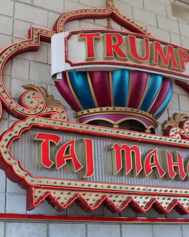 Man Showers In Trump Taj Mahal During Fire Sale (Photos) Promo Image